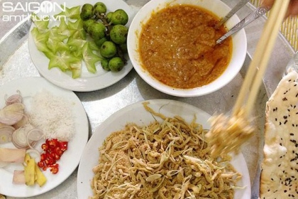 How special is Ninh Binh fish salad that makes diners fall in love?  7